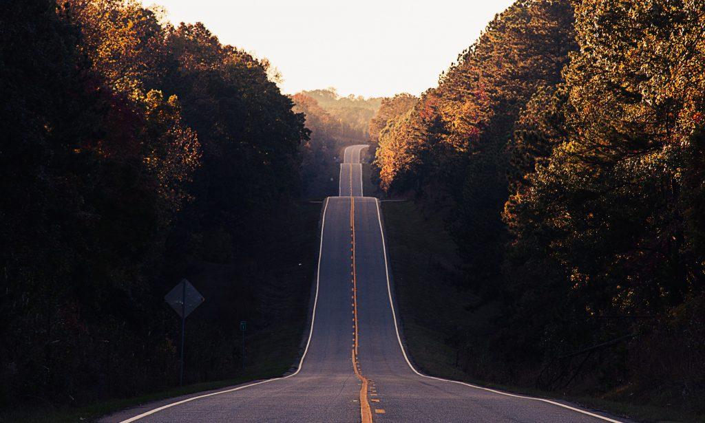 長い道の画像